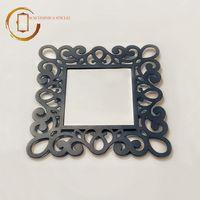 Oglindă de perete cu ramă dantelată